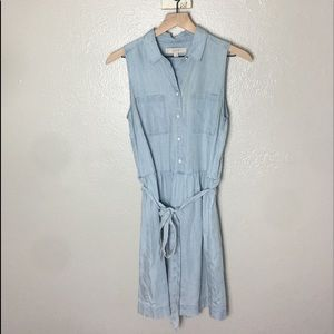 ANN TAYLOR LOFT • Denim Tie Button Down Dress